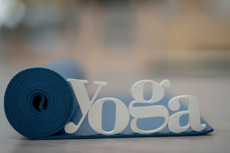 8 Things To Avoid Doing Before Yoga Practice