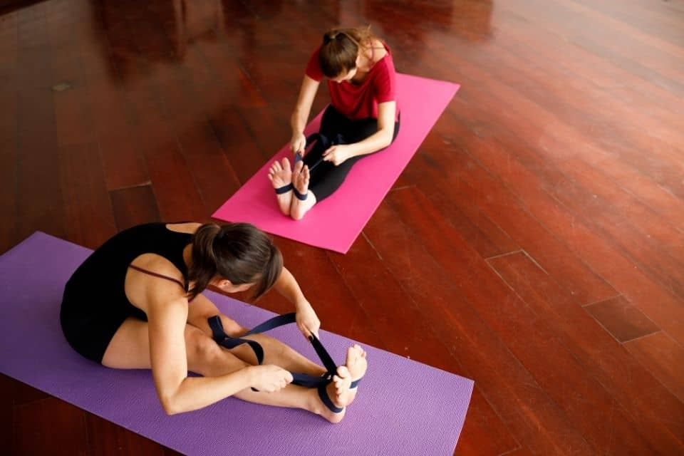 14 Ways That Yoga Straps Help You with Yoga